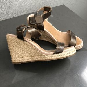 Tommy Bahama Wedges, never worn!
